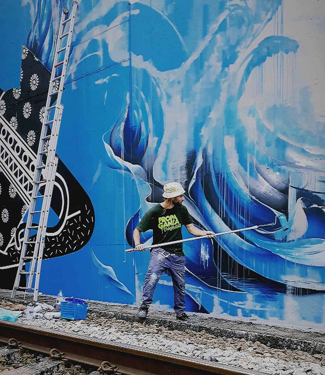 roubens-abstract-street-art-spray-paint-organic-contemporary-vegetal-wave-smoke-clouds-natural-belgium_22